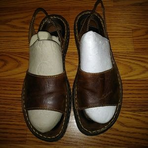 BORN WOMEN'S BROWN LEATHER SANDALS SIZE 8/39 M/W